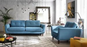Pastelowy błękit, jeden z kolorów ubiegłego roku według Instytutu Pantone - jest wciąż modny. Świetnie prezentuje się ma materiałach, dodatkach, a także meblach.