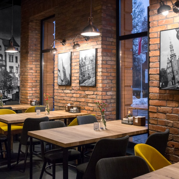 """Restauracja """"Śródmieście"""" w Bydgoszczy z polskim designem"""