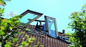 Dachówki, system rynnowy, podbitka, lukarny i wreszcie okna dachowe – wszystkie te elementy tworzą funkcjonalną całość i wspólnie wpływają na to, czy dach wygląda estetycznie.