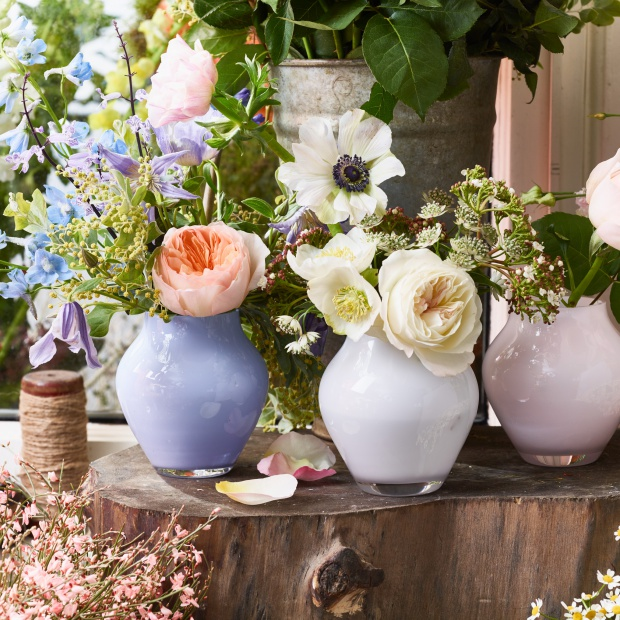 Zaproś wiosnę do wnętrza: piękne wazony na kwiaty