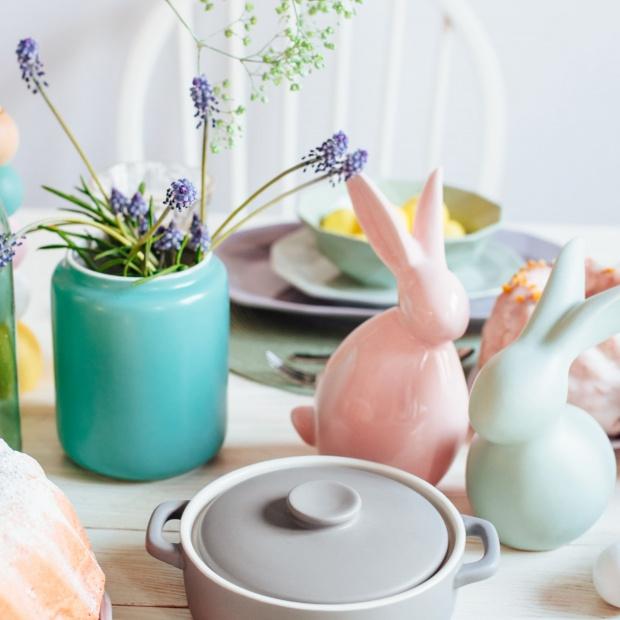 Kuchnia na wiosnę: pastelowe naczynia do pieczenia i gotowania