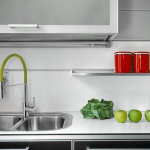 Aranżacja kuchni: strefa zmywania. Bateria zlewozmywakowa kameleon Fot. invena