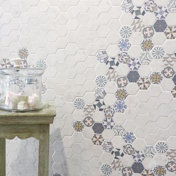 Modne płytki ceramiczne w kształcie sześciokątów