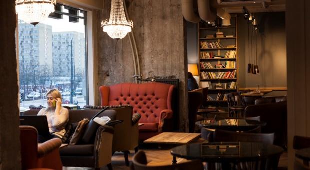 Przestrzeń co-workingowa w kawiarni Green Caffè Nero