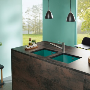 Kolorowe zlewozmywaki w kuchni. Fot. Villeroy & Boch