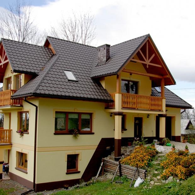 Piękny dach: jakie możliwości daje blachodachówka?