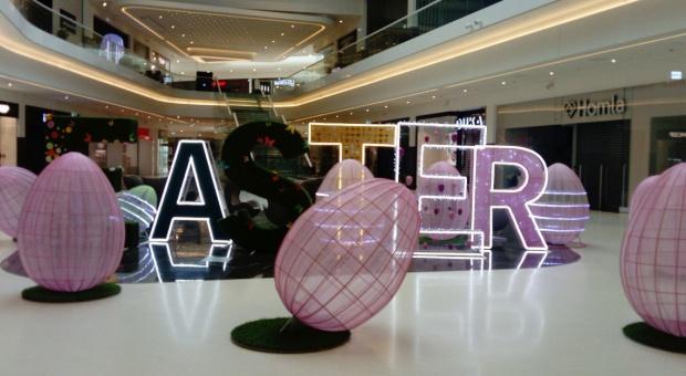 Galerie handlowe stroją się na święta