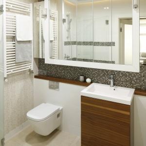 Pomysł na aranżację łazienki z mozaiką. Projekt: Małgorzata Mazur. Fot. Bartosz Jarosz