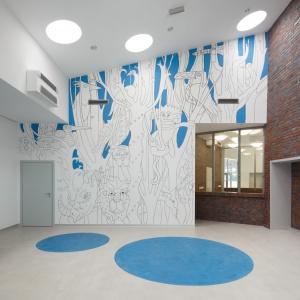 Ekoenergetyczne Centrum Zdrowia w Pyszowicach. - mural wykonany przez studentów architektury. Fot. Tomasz Zakrzewski