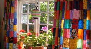 Wiosna to doskonały moment na zmiany, także te w wystroju domowego wnętrza. Sporą część z nich możemy przeprowadzić samodzielnie bez dodatkowych kosztów i zakupów.