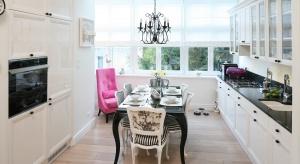 Urządzanie kuchni to prawdziwe wyzwanie. Można nawet powiedzieć, że jest to najtrudniejsze pomieszczenie w całym domu! Musi być przecież wygodnie, bezpiecznie, funkcjonalnie, ale też ładnie.