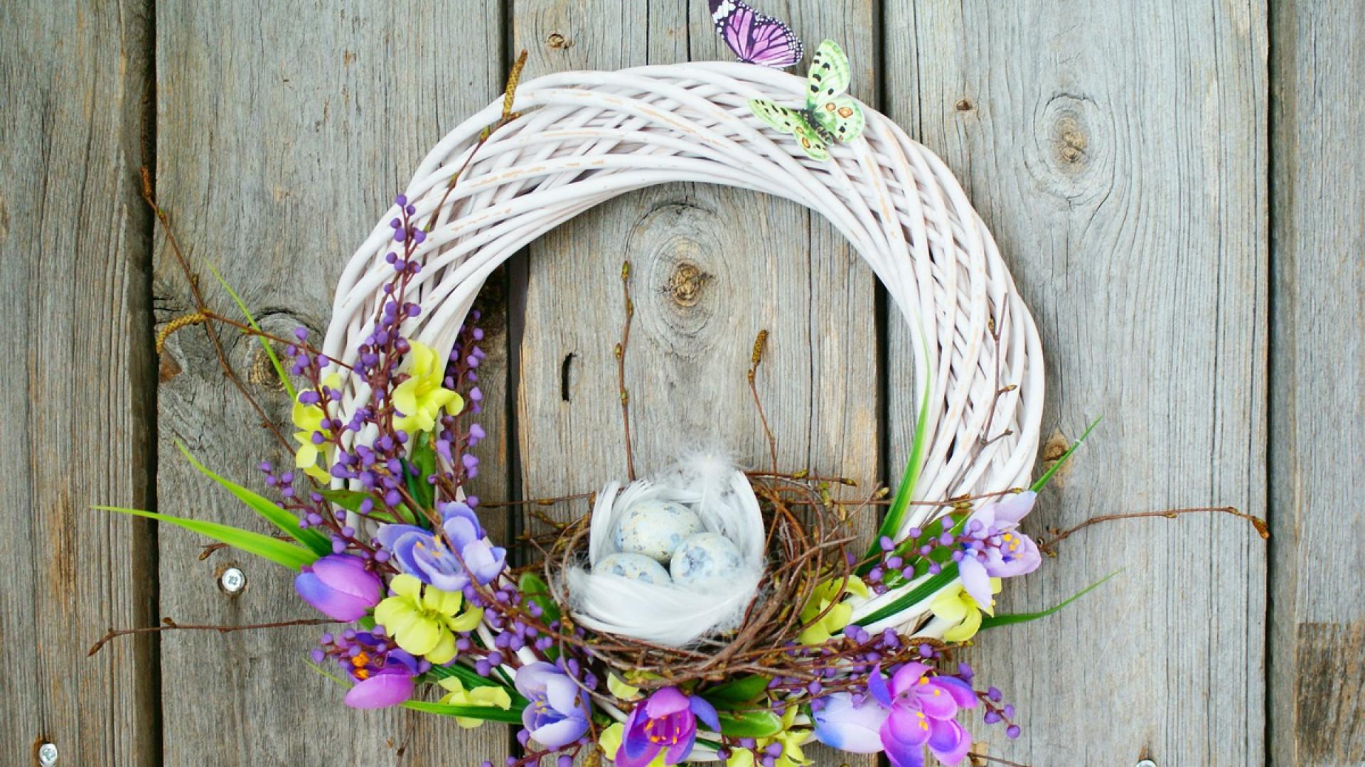 Zobacz Jak Zrobić Wielkanocny Wianek Z Ptasim Gniazdkiem