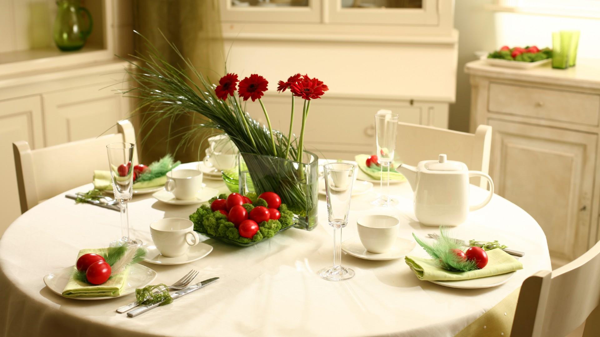 Pomysł na dekorację świątecznego stołu. Fot. Villa Italia