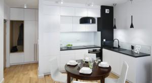 Jak urządzić małą jadalnię przy kuchni? Zobaczcie 15 propozycji rodzimych projektantów i architektów wnętrz.