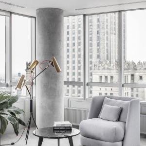 Zaprojektowany dla polskiej firmy meblarskiej Comforty fotel MELLOW ujmuje miękką formą.