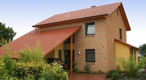 Parametry wytrzymałościowe cegieł i trwałość ich powierzchni pozwala na zastosowanie klinkieruna zewnątrz – m.in. na elewacjach oraz ogrodzeniach, a także do wykończenia wnętrz, na przykład kuchni, łazienki czy salonu.