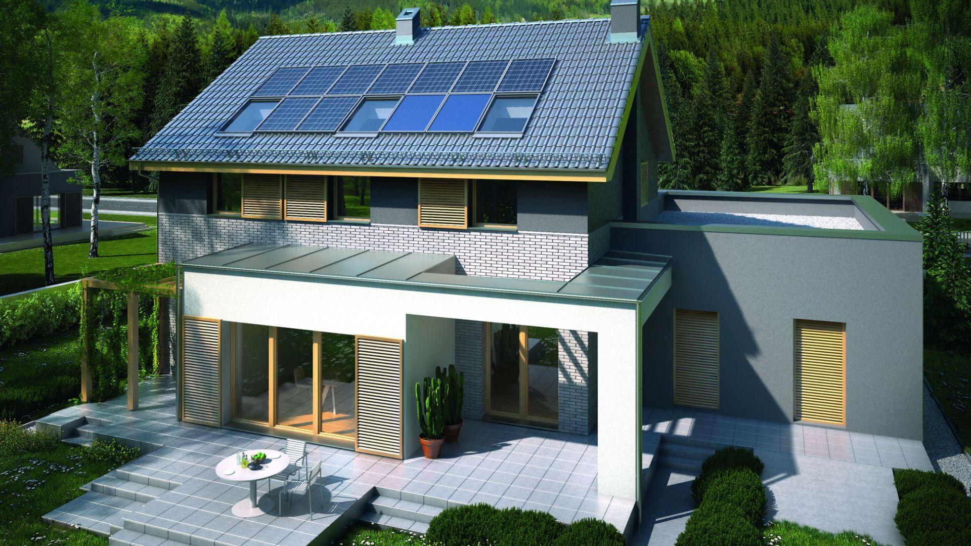 Kolektory słoneczne i ogniwa fotowoltaiczne pozwalają pozyskiwać dużo energii ze słońca. Fot. Domy Czystej Energii