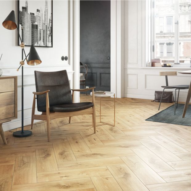 Piękna podłoga: nowa kolekcja płytek jak drewno