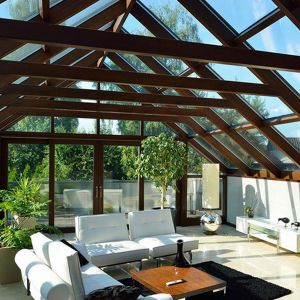 Przeszkolony dach daje niezwykły widok na okolicę.