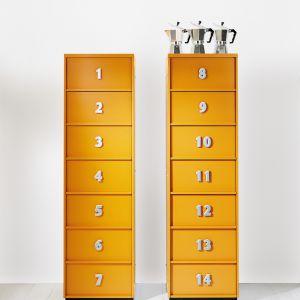 Ponumerowane szuflady komoda TOOLBOX pomogą w utrzymaniu porządku. Fot. Emmebi