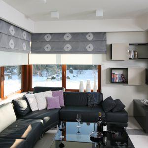 Rolety: nowoczesna dekoracja okien. Projekt: Małgorzata Borzyszkowska. Fot. Bartosz Jarosz