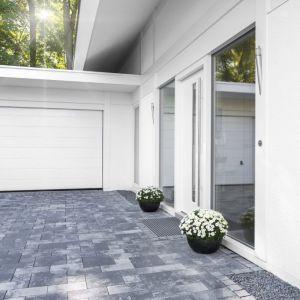 Impregnowanie elewacji i powierzchnie wokół domu. Fot. Ultrament