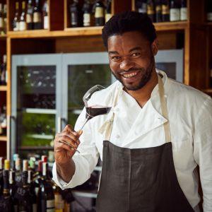 W trakcie zagranicznych podróży Joseph eksperymentował i bawił się gotowaniem, łącząc smaki potraw i win. Tak zaczęła powstawać jego autorska kuchnia. Fot. Maciej Stankiewicz