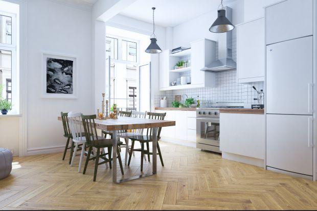 Drewniana podłoga jest ozdobą każdego wnętrza.FertigDeska Design Experience pozwoli uzyskać ciekawe wzory ułożenia. To idealne rozwiązanie dla architektów, którzy cenią kreatywne rozwiązania.