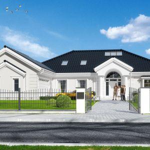 Duże domy w zabudowie podmiejskiej często czerpią inspiracje ze stylu dworkowego. Projekt: Rezydencja Parkowa 3. Fot. MG Projekt
