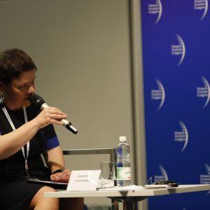 Moderator spotkania Justyna Łotowska.
