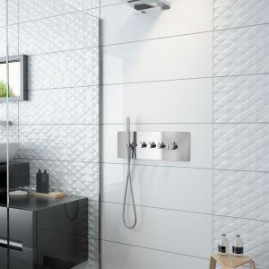 Baterię podtynkową termostatyczną MULTI BOX ze słuchawką prysznicową można kompletować z głowicą natryskowa. Fot. Deante
