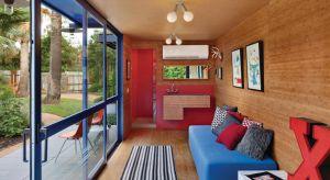 Obok tego domu nie sposób przejść obojętnym. Zobaczcie jedyny w swoim rodzaju projekt mieszkania w kontenerze.