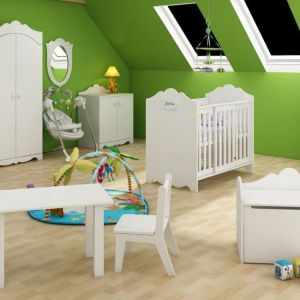 Łóżeczko dziecięce: propozycja dla niemowląt. Model: Royal Baby. Fot. Baby Best