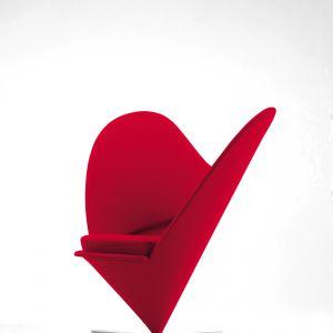 Wyjątkowy fotel proj. Vernera Pantona nazwany został HEART CONE ze względu na swój wymowny kształt. Fot. Vitra