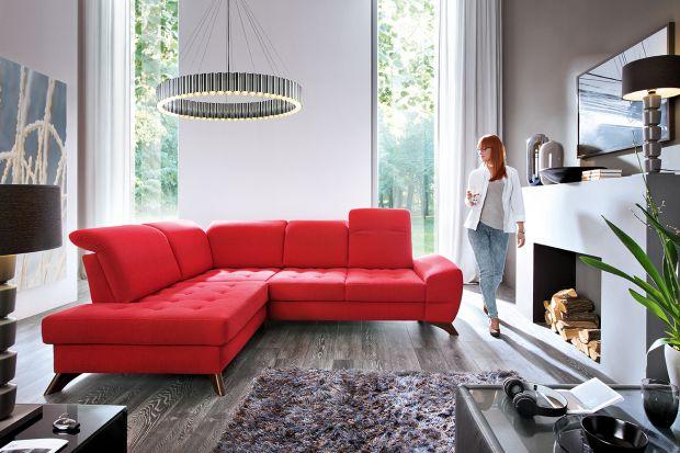 10 pomysłów na czerwień w salonie