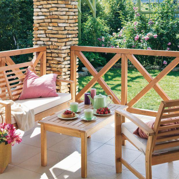 Drewniane meble w ogrodzie - sprawdź jak je zabezpieczyć
