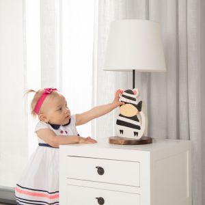 Meble i zabawki dla dziecka. Lampka stojąca Animals Zebra. Fot. Dekoria.pl
