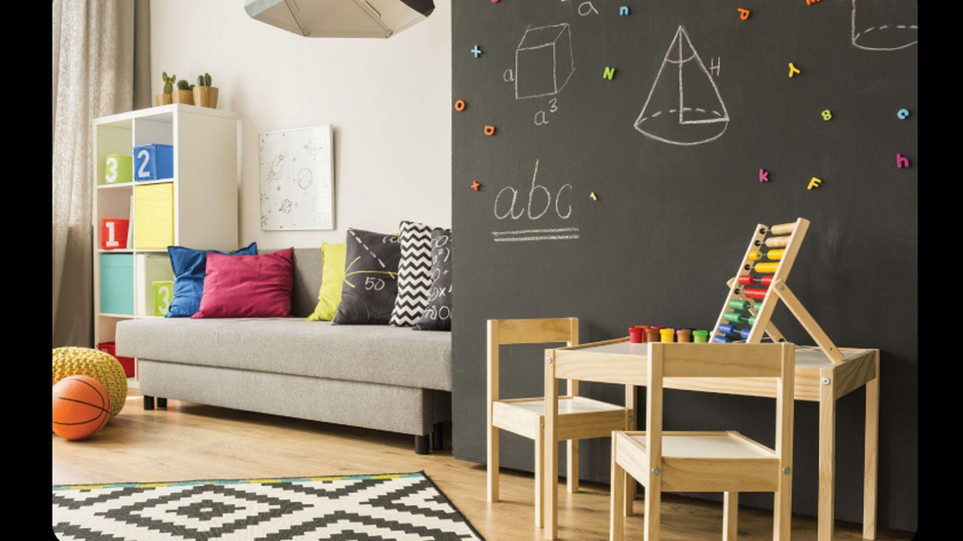 Lakier tablicowy świetnie sprawdzi się we wnętrzach mieszkalnych – kuchniach, pokojach dziecięcych. Fot. Sigma Coatings