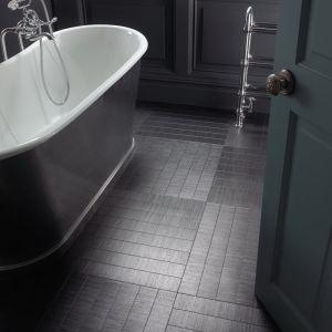 Biel i czerń we wnętrzu. Fot. Amtico/Carpet Studio