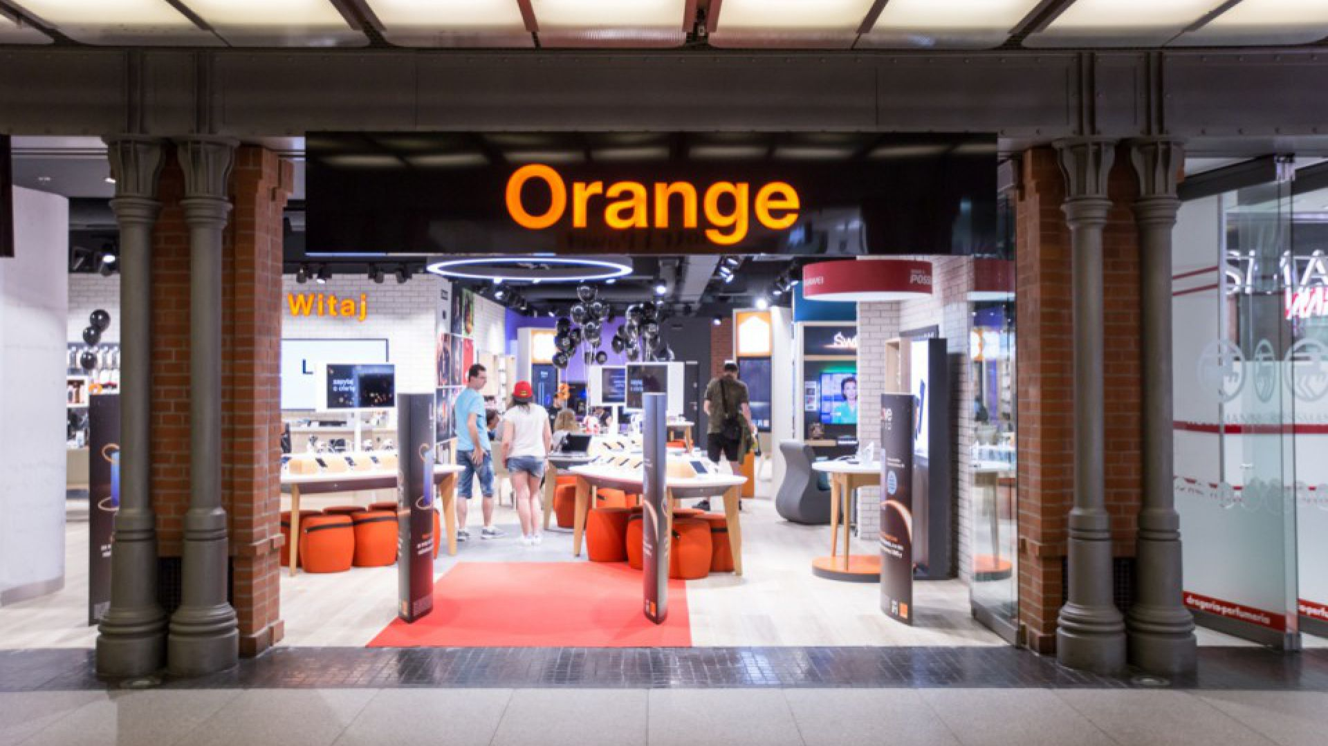 Orange Smart Store, fot. Jakub Wittchen
