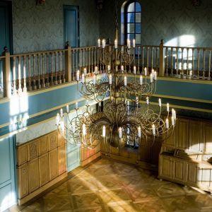 Drewniana podłoga w salonie. Fot. Chapel Parket