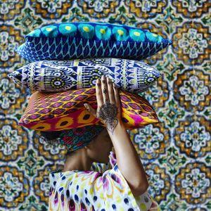 Wzorzyste tkaniny i poszewki z kolekcji JASSA. Fot. IKEA