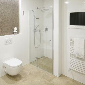 Prysznic bez brodzika. Projekt: Piotr Stanisz. Fot. Bartosz Jarosz