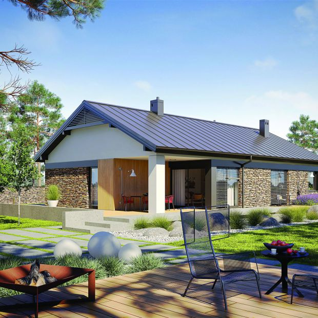 120-metrowy dom z wnętrzem pełnym słońca i ciepła