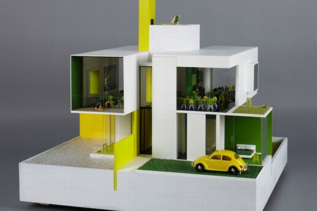 """Domki dla lalek, zaprojektowane przez największych i najpopularniejszych architektów, takich jak Zaha Hadid. Wiele z ich dzieł może spokojnie pretendować do uzyskania """"statusu"""" dzieła sztuki."""