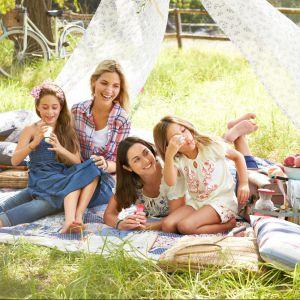 Piknik w ogrodzie - niezbędne akcesoria. Fot. Tchibo