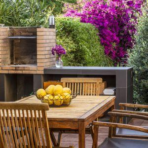 Renowacja drewna w ogrodzie. Fot. Bondex
