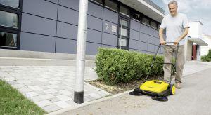 Kiedy nadchodzi wiosna czas na przydomowe porządki. Wszelkie nawierzchnie w ogrodzie (również wokół domu) powinny zostać dokładnie wysprzątane. Warto sobie ułatwić prace i postawić na dobre urządzenia do sprzątania.