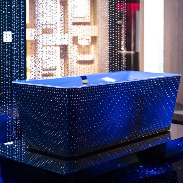 Nowoczesna łazienka: kąpiel w kryształach Swarovskiego