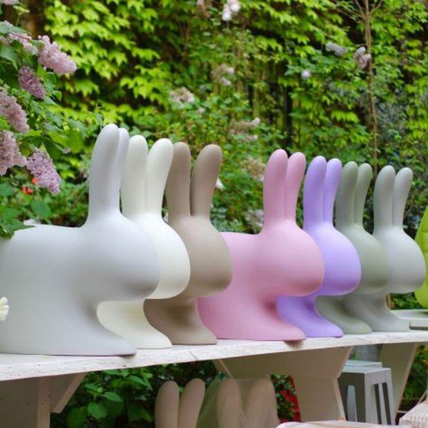 Aranżacja ogrodu: lampy, meble i zabawki w jednym